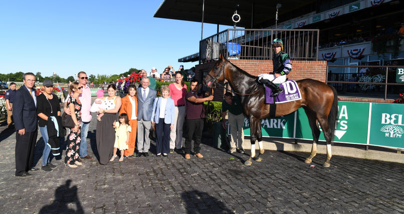 New York-bred millionaire Diversify draws away to win G2 Suburban